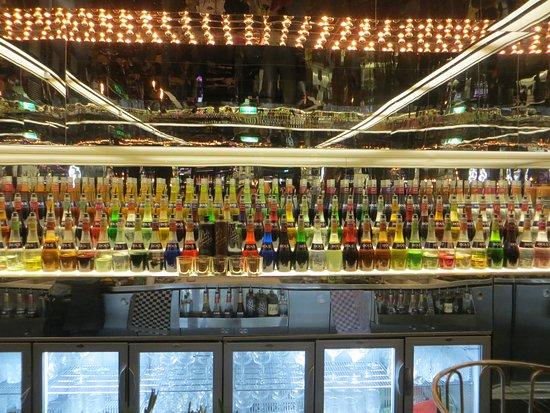 House of Bols Entrance Ticket Plus Cocktail: Le bar est ouvert