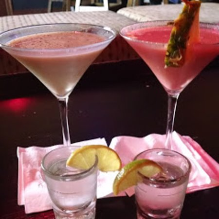 Cliff's Martini Lounge: summer cocktails