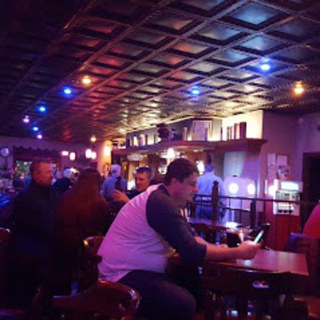 Cliff's Martini Lounge: chillin!