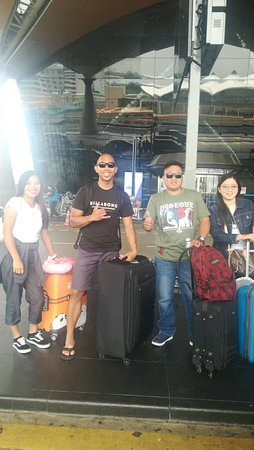 Airport Transfer Travelers from Philipines. #taximpvkl #MAMHolidaysMalaysia #privatetoursmalaysia