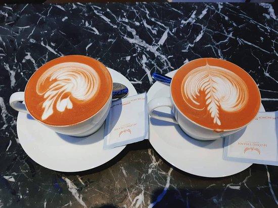 Ai mà ghé qua đây hãy gọi thử 1 cốc này nhé. Vị ngon và lạ hơn các nơi mà mình uống. Nói chung là rất thích. Nhân viên thì khỏi phải bàn rồi ^^