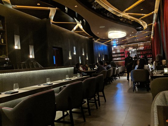 CE LA VI Restaurant & Lounge: Inside