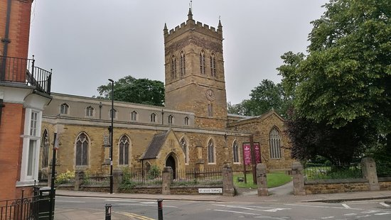 St Giles Church