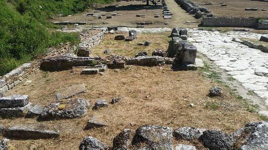 Area Archeologica di Alba Fucens: alba