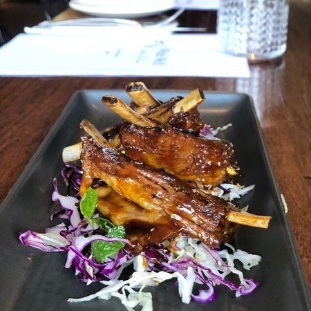 White Wolf Bistro & Bar: Slow cooked lamb ribs, Asian slaw, sichuan pepper