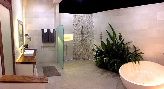 Villa Merdu: Delue Suite bathroom
