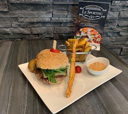 Le Sporting: Le Burger de veau Corse