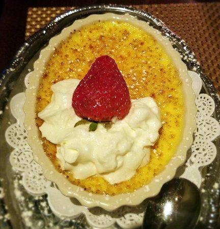 Carmine's Rosemont: creme brule