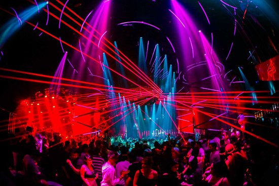 Stage Dubai: One of Dubai's nightclubs that you can't miss! From the special welcoming to the powerful sound and light effect. Stage is just a state of the art! Every weekend different concept! Not to forget the best Dj in the Gulf DJ ASEEL