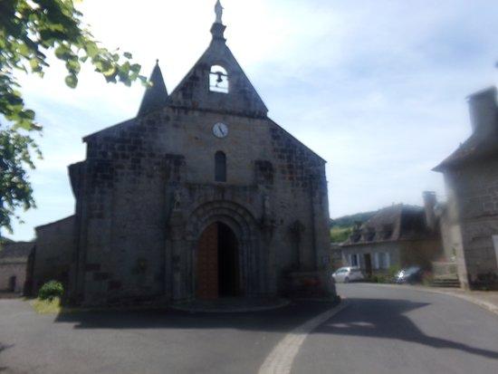 Eglise Saint Pierre De Menet