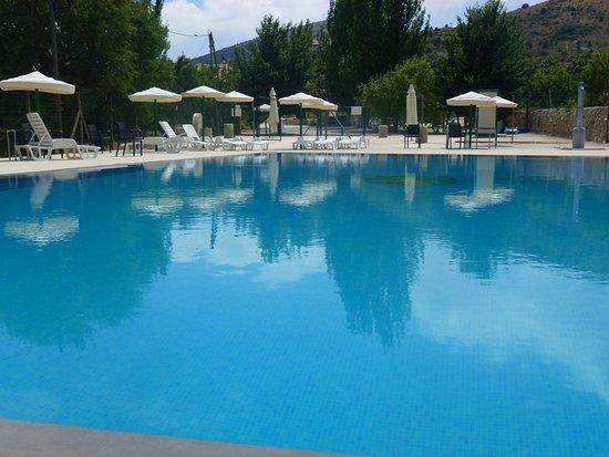 Inazares, Hiszpania: Piscina en plena naturaleza. Una situación privilegiada