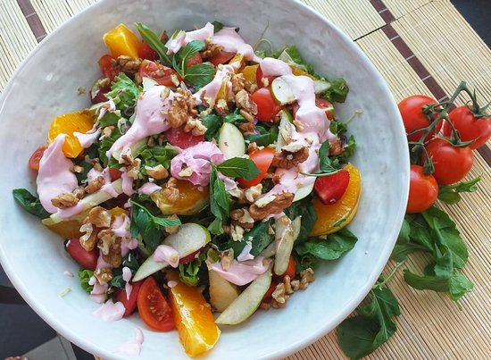 Keljani Kompleks: In sunny days, we need a fresh and delicious salad
