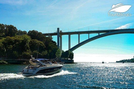 Tour&Boats