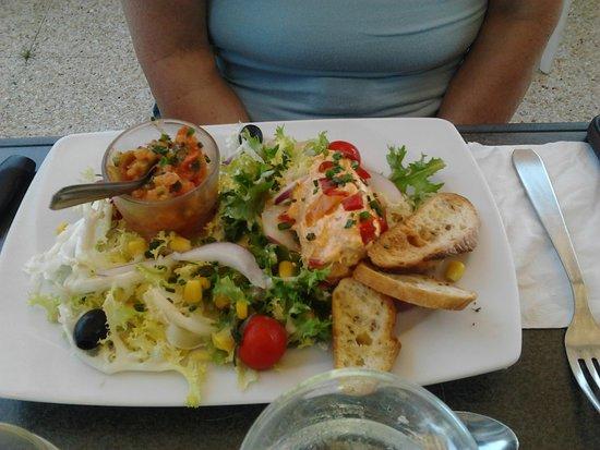 Île-d'Houat, France : 07 Tartare de légumes et poulet à l'Andalouse