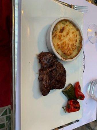 La Petite Cour: Un filetto con patate e peperoni