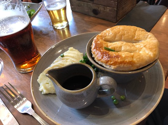 The Crown And Anchor: Pie