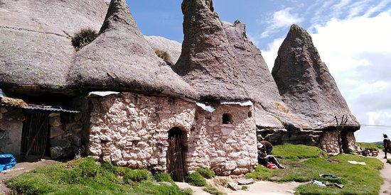 Apurimac Region, Perú: Case dei puffii peruviani a Pampachiri, Apurimac Peru.