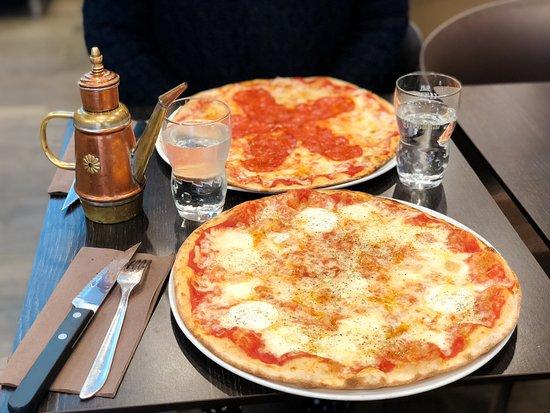 Pizzburg Restaurant Paris 15 Pizza Burger Frites Food Romaine Produits Frais Fait Maison Farine Bio Livraison Picture Of Pizzburg Paris Tripadvisor