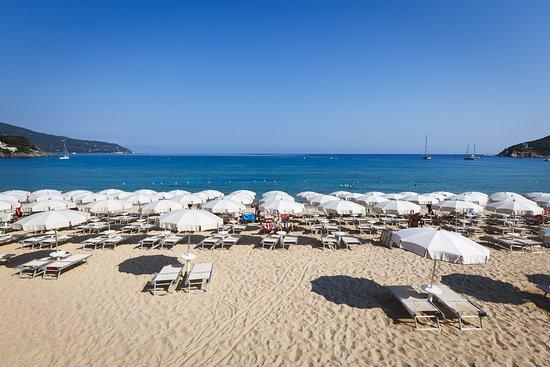 Affittacamere La Stenella: Spiaggia Affittacamere Stenella Procchio Isola d'Elba