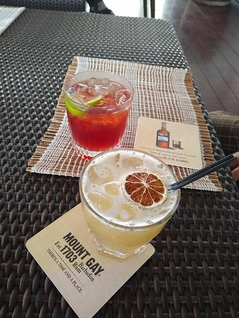 Mount Gay Signature Rum Tasting in Barbados: Cocktails in the bar