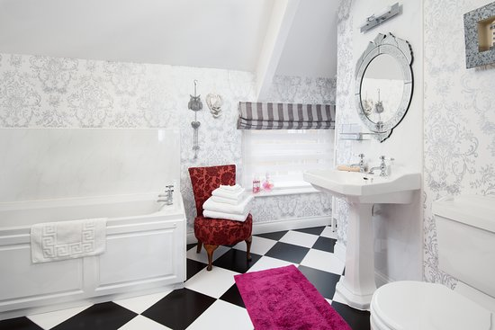 GROOMS LOFT- heritage bathroom with separate shower and bath.