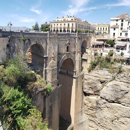 distintas vistas del puente