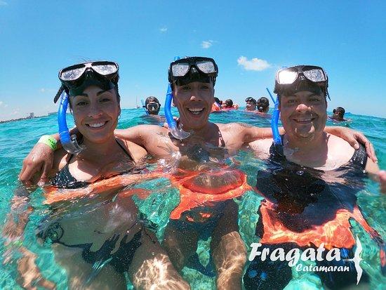 Fragata Catamaran: #clientes #tour #islaMujeres hasta el 4 de Julio