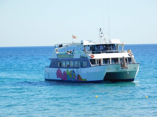 Tourist sightseeing boat