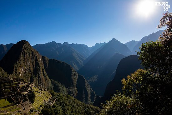 Sacred Valley/Inca Trail to Machu Picchu/Rainbow Mountain