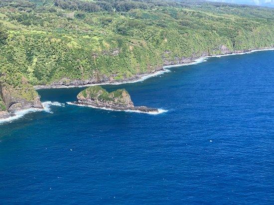 Maui Helicopter Tour Over Haleakala National Park and the Hana Rainforest – kuva