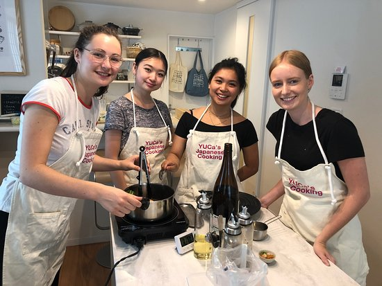 Japanese cooking class in Tokyo with friends!