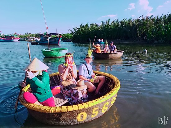 Coconut Boat DL Tour