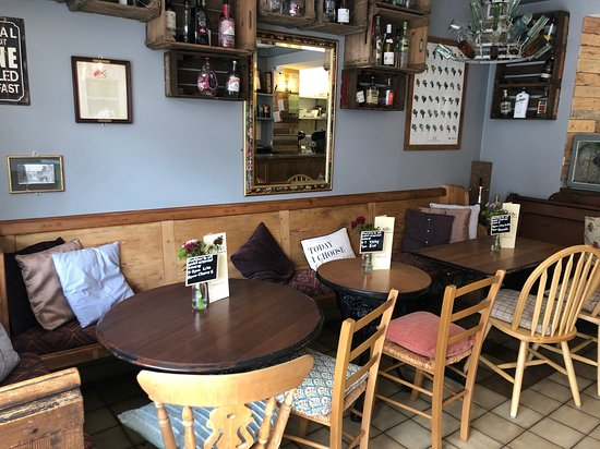 Notty's Rustic Wine Bar: Tables 4, 5 and 6