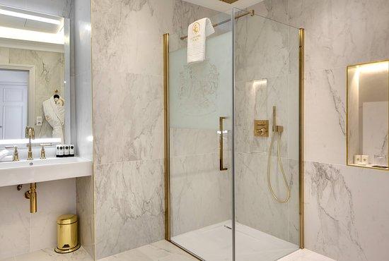 Hotel Alexandra Palace: salle de bain