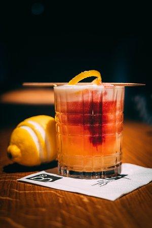 R10 Bar & Restaurant: Cocktails