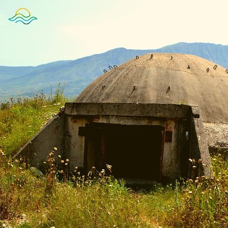 Albanien: ❤️ Not only is Albania beautiful... but it has a history worth learning about, and many significant sites to #visit. See our tour offerings here: https://teatours.al/en/tours