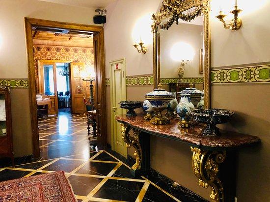 Gallery Park Hotel & Spa: Lobby area