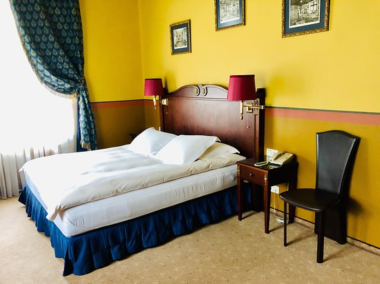 Gallery Park Hotel & Spa: Room