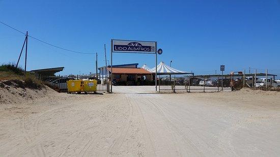 Villaggio Club Albatros: Arrivo alla spiaggia.