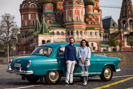 Moscú, Rusia: Be whisked away on a two-hour tour across one of the most stunning cities in the world...minus the maddening traffic jams.