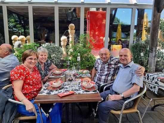 Ville-Pommeroeul, Belgia: Notre table en terrasse