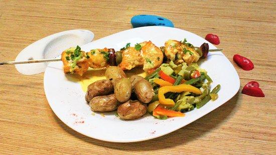 Des Plats et desserts du Jour cuisinés par notre Chef Anto' quotidiennement !