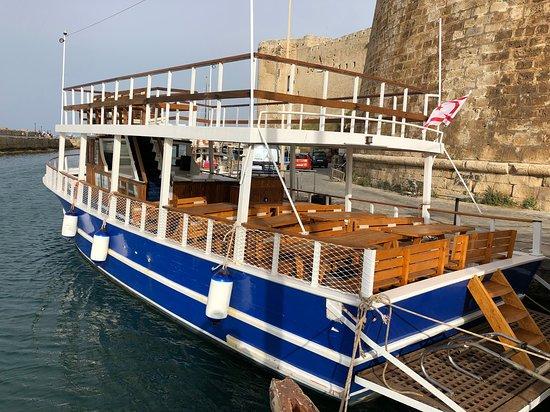 Akkanat Yacht Tours: Happy Sea