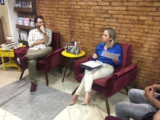 Rara Books Livraria & Cafe