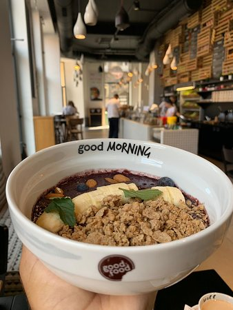Start your day with our delicious Balance Bowl made from acai, granola and fresh fruits.