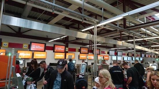 easyJet: 機場自助登機