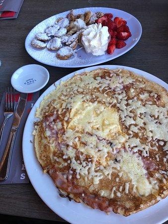 Van Gogh and pancakes