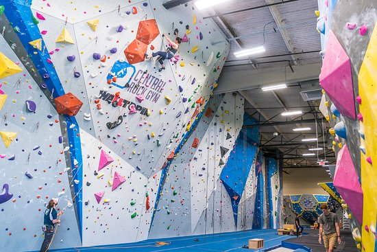 Warwick, RI: Lead wall and front top rope walls