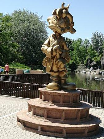 Mirabilandia statua
