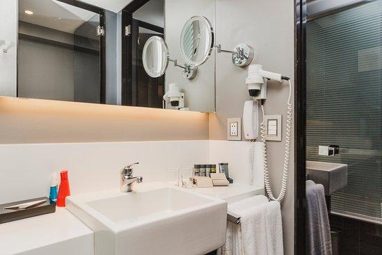 Baño habitaciones Standard y Ejecutiva